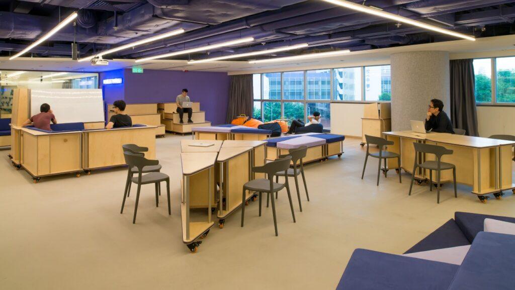 Espacios en aula modular para trabajar